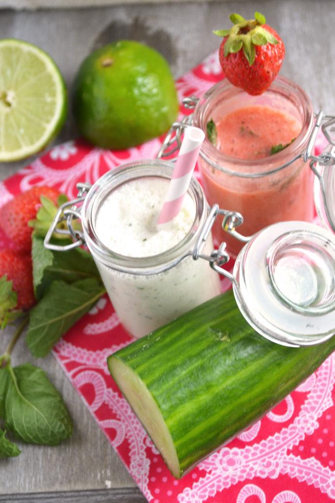 Soupes glacées concombre à la crème, menthe & fraises, menthe, citron vert