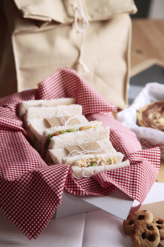 d jeuner de rentr e 2 club sandwichs poulet rillettes de carottes tartare de saumon. Black Bedroom Furniture Sets. Home Design Ideas