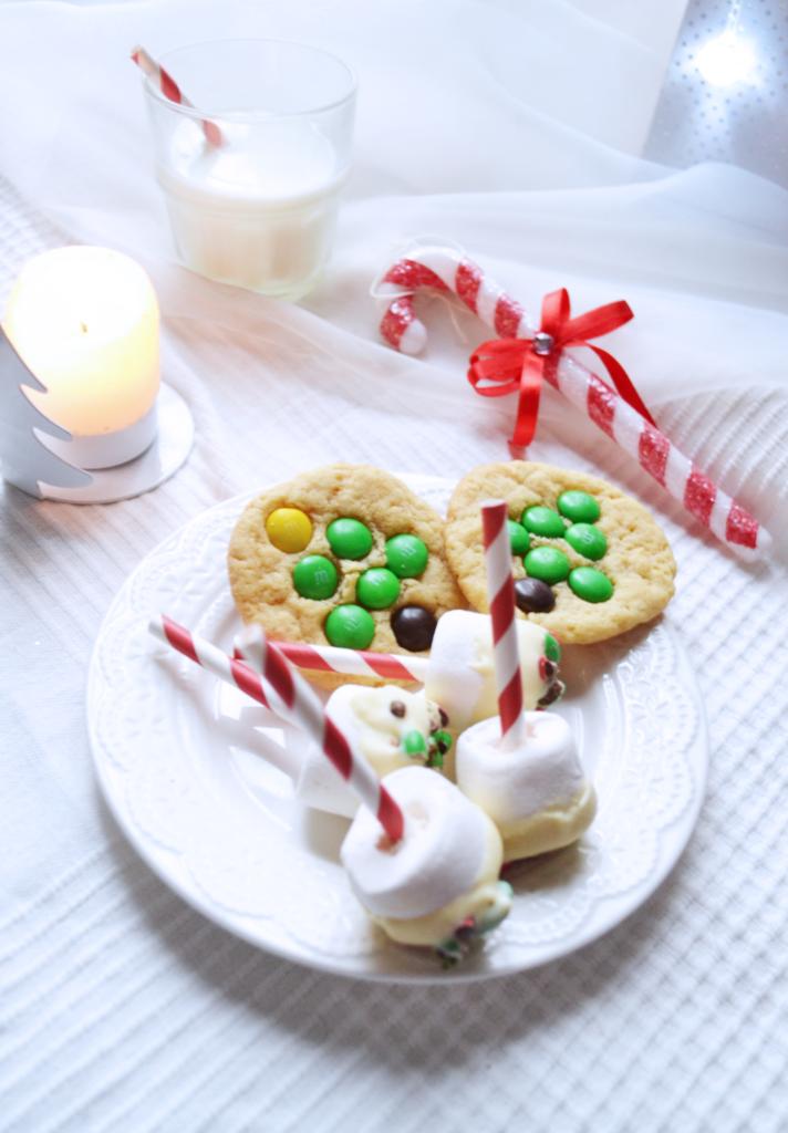 Cookies et guimauves de noël à mettre sous le sapin pour le père noël