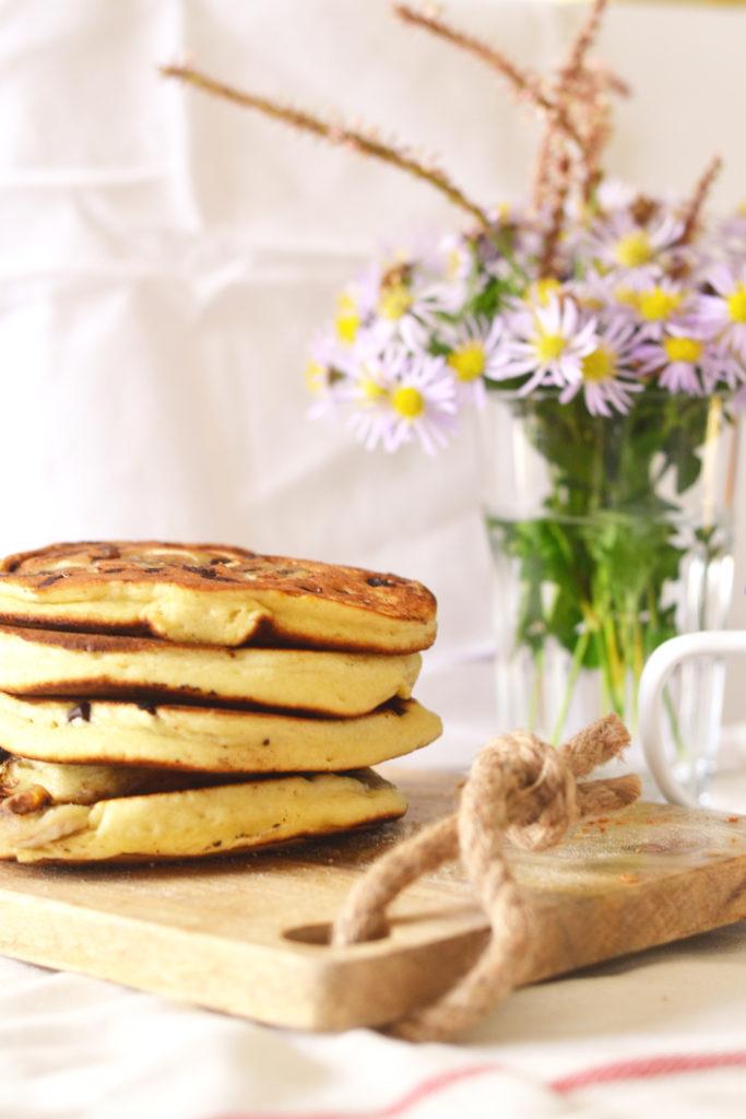 Pancakes bananes et pépites de chocolat au lait d'amande