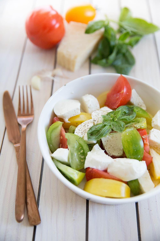 tomates mozzarella vinaigrette pesto
