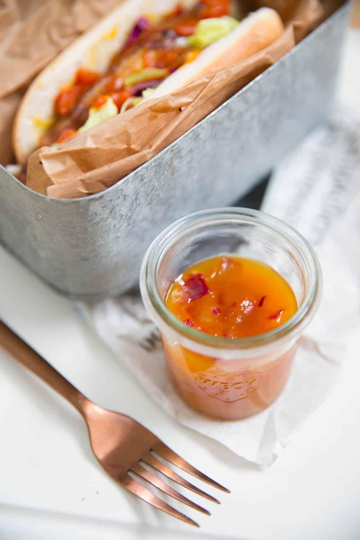 Chutney de mangue aux oignons rouges