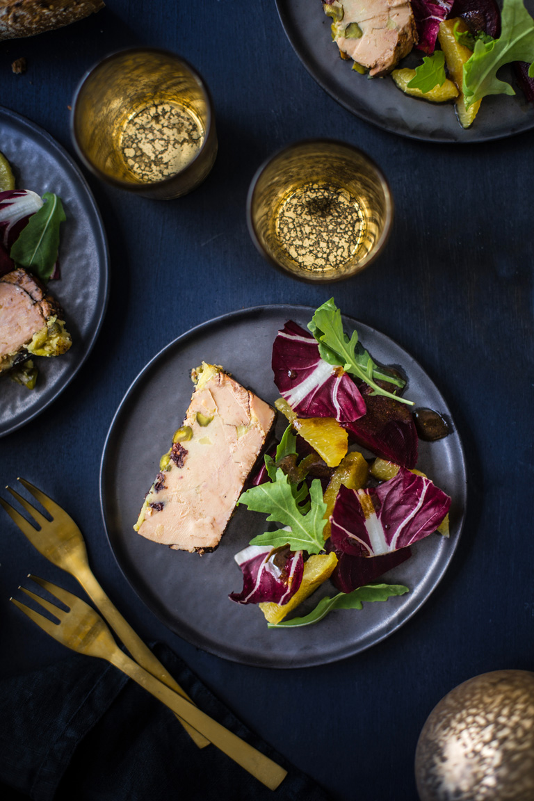 Terrine de foie gras pistaches cranberries salade betterave orange